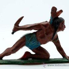 Figuras de Goma y PVC: INDIO RODILLA EN SUELO TEIXIDO GOMA AÑOS 50. Lote 27942324