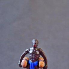 Figuras de Goma y PVC: FIGURA NEGRO SAFARI CON DOS BULTOS. Lote 70156685