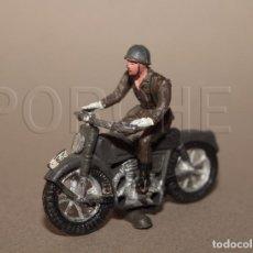 Figuras de Goma y PVC: SOLDADO MOTORISTA ESPAÑOL, COMPLETO - POSIBLEMENTE TEIXIDO-. Lote 78461209