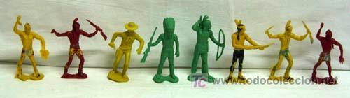 7 INDIOS Y 1 VAQUERO DE PLÁSTICO DE PIPERO (Juguetes - Figuras de Goma y Pvc - Pipero)
