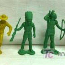 Figuras de Goma y PVC: 7 INDIOS Y 1 VAQUERO DE PLÁSTICO DE PIPERO. Lote 5300536