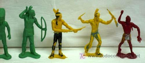 Figuras de Goma y PVC: 7 Indios y 1 vaquero de plástico de Pipero - Foto 4 - 5300536