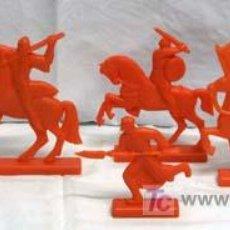 Figuras de Goma y PVC: 7 FIGURAS MEDIEVALES EN PLÁSTICO DURO. Lote 5323503