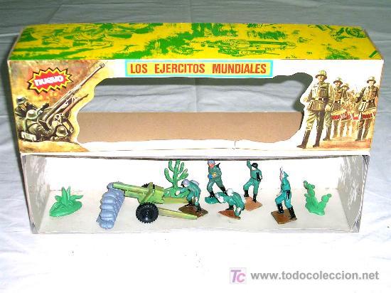 CAJA SOLDADOS ALEMANES Y COMPLEMENTOS, PLÁSTICO, PECH, ORIGINAL AÑOS 60-70. (Juguetes - Figuras de Goma y Pvc - Pech)