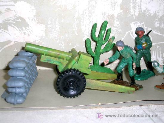 Figuras de Goma y PVC: Caja soldados Alemanes y complementos, plástico, Pech, original años 60-70. - Foto 4 - 27200891