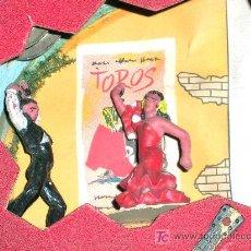 Figuras de Goma y PVC: RARA PANDERETA CON DOS BAILAORES , FLAMENCO, TOROS, AÑOS 60.. Lote 10942438