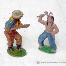 Figuras de Goma y PVC: VAQUERO E INDIO EN GOMA DE LAFREDO AÑOS 50. Lote 7650291