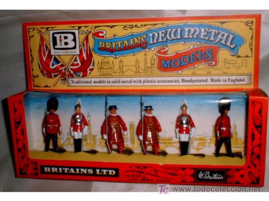 ANTIGUA CAJA DE SOLDADOS DE LA GUARDIA REAL INGLESA - BRITAINS NEW METAL - 6 SOLDADOS NUEVA A ESTREN (Juguetes - Figuras de Goma y Pvc - Britains)