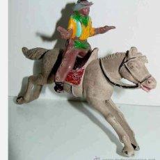 Figuras de Goma y PVC: ANTIGUA FIGURA DE COW BOY A CABALLO DE GOMA - TAL COMO . Lote 10248144