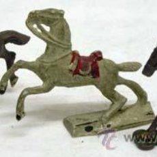 Figuras de Goma y PVC: TRES CABALLOS DE CAPELL EN GOMA AÑOS 50. Lote 11433073