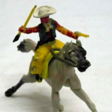 Figuras de Goma y PVC: VAQUERO A CABALLO DE MANUEL SOTORRES DE PLÁSTICO AÑOS 60. Lote 11624031