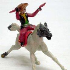 Figuras de Borracha e PVC: VAQUERO DE JECSAN A CABALLO DE MANUEL SOTORRES DE PLÁSTICO AÑOS 60. Lote 11624106