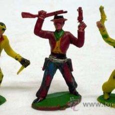 Figuras de Goma y PVC: 3 VAQUEROS A PIE DE MANUEL SOTORRES EN PLÁSTICO AÑOS 60. Lote 16637053