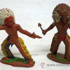 Figuras de Goma y PVC: DOS JEFES INDIOS A PIE DE MANUEL SOTORRES EN PLÁSTICO AÑOS 60. Lote 11624602