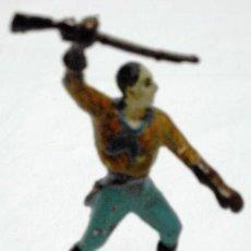 Figuras de Goma y PVC: VAQUERO A PIE DE CAPELL EN GOMA AÑOS 50. Lote 11654443