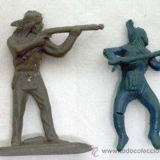 Figuras de Goma y PVC: DOS INDIOS PLÁSTICO SIN PINTAR COPIAS DE GAMA Y DE CAPELL AÑOS 60. Lote 39715056