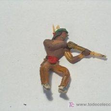 Figuras de Goma y PVC: INDIOS Y VAQUEROS ANTIGUOS PINTADOS A MANO. Lote 25574398