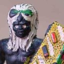 Figuras de Goma y PVC: FIGURA DE GOMA NEGRO GUERRERO DE 6 CM FABRICADO POR ARCLA EN 1950S. Lote 20083550