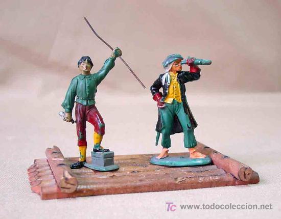 2 FIGURAS PIRATAS DE GOMA # P - 12 Y P - 8 Y BALSA PIRATA P -13 FABRICADOS POR PECH, (Juguetes - Figuras de Goma y Pvc - Pech)