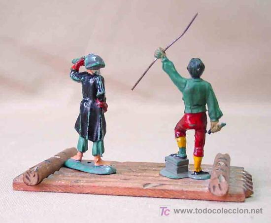 Figuras de Goma y PVC: 2 FIGURAS PIRATAS DE GOMA # P - 12 Y P - 8 Y BALSA PIRATA P -13 FABRICADOS POR PECH, - Foto 3 - 13739345