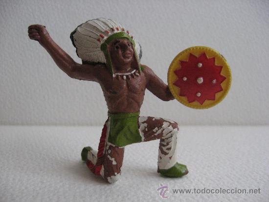INDIO RODILLA EN TIERRA. (Juguetes - Figuras de Goma y Pvc - Sotorres)