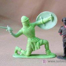 Figuras de Goma y PVC: RARA FIGURA PLASTICO, PIPERO, SOLDADO MEDIEVAL, COMANSI ?, 10 CM. Lote 13314589
