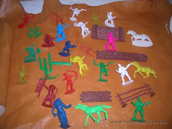 Figuras de Goma y PVC: 4 LOTES DE INDIOS VAQUEROS CABALLOS ETC.ETC. - Foto 2 - 17115933