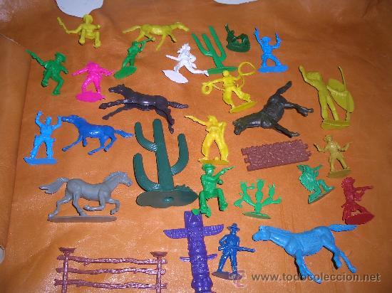 Figuras de Goma y PVC: 4 LOTES DE INDIOS VAQUEROS CABALLOS ETC.ETC. - Foto 3 - 17115933