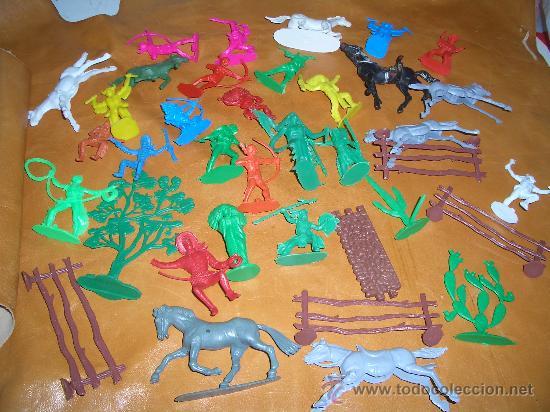 Figuras de Goma y PVC: 4 LOTES DE INDIOS VAQUEROS CABALLOS ETC.ETC. - Foto 4 - 17115933