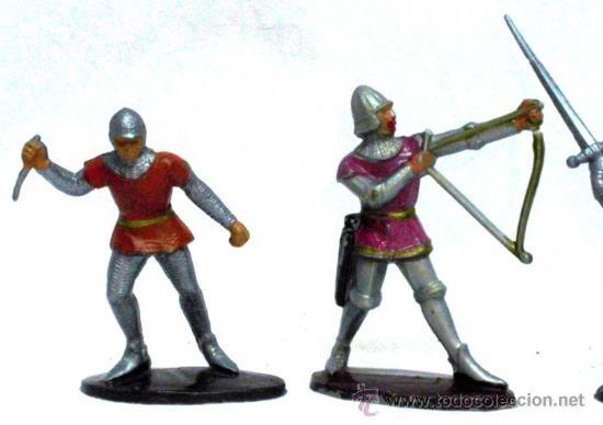 Figuras de Goma y PVC: 5 medievales de Quiralu años 60 - Foto 2 - 14660895