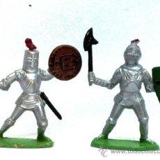 Figuras de Goma y PVC: 2 MEDIEVALES A PIE DE QUIRALU AÑOS 60. Lote 14660945