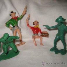 Figuras de Goma y PVC: 4 VAQUEROS 1 DE COMANSI . Lote 21082306