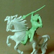 Figuras de Goma y PVC: RARA FIGURA PLASTICO, QUIOSCO, PIPERO, MEDIAVAL A CABALLO, FUSILADO DE COMANSI ?, . Lote 15802898
