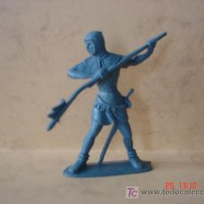 Figuras de Goma y PVC: SOLDADO MEDIEVAL - ALTURA: 8.8 CM -. Lote 17218916