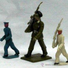 Figuras de Goma y PVC: LOTE 3 SOLDADOS DESFILE: PARACAIDISTA REAMSA Y ARMADA MARINA TORRES MALTÁ EN PLÁSTICO AÑOS 60. Lote 17299734