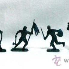Figuras de Goma y PVC: 8 MEDIEVALES A PIE DE STARLUX SERIE TORNEO 4 CM AÑOS 60. Lote 17360906