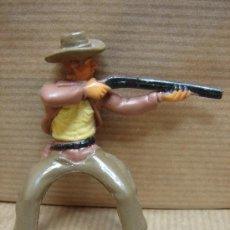 Figuras de Goma y PVC: FIGURA VAQUERO GOMA - PECH REAMSA JECSAN ETC .... - A CABALLO. Lote 26008470