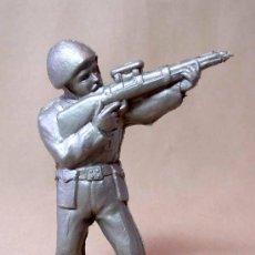 Figuras de Goma y PVC: RARA FIGURA DE PLASTICO, PIPERO ?, SOLDADO AMERICANO, WW2, NO MAIRZA, 1960S. Lote 18551730