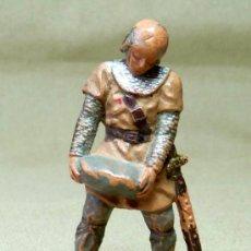 Figuras de Goma y PVC: FIGURA DE PLASTICO, SOLDADO MEDIEVAL, FABRICADO POR REAMSA, 1970S. Lote 20106713