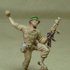 Figuras de Goma y PVC: FIGURA DE PLASTICO, MARINE, SOLDADO AMERICANO, FABRICADO POR PECH. Lote 29111719