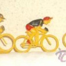 Figuras de Goma y PVC: 5 CICLISTAS AMARILLOS DE SOTORRES,AÑOS 60. Lote 21430203