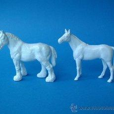 Figuras de Goma y PVC: REAMSA,PONNY Y PERCHERON BLANCOS,REF.2953-REF.2953. Lote 111518652