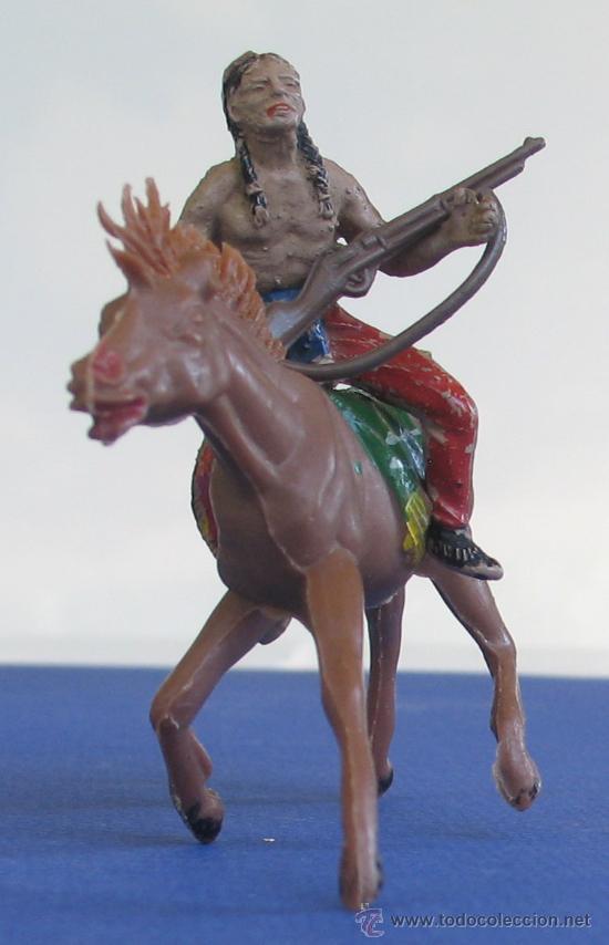 Figuras de Goma y PVC: Guerrero indio a caballo , en goma de Lafredo años 60 - Foto 2 - 26725445