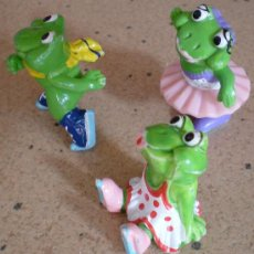Figuras Kinder: FIGURAS KINDER SORPRESA, LOTE 3 RANAS FERRERO. Lote 40050621