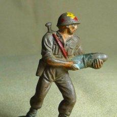 Figuras de Goma y PVC: FIGURA DE GOMA, SERVIDOR DEL CAÑON AMERICANO, SOLDADO MARINE, , 1950S. Lote 22970017