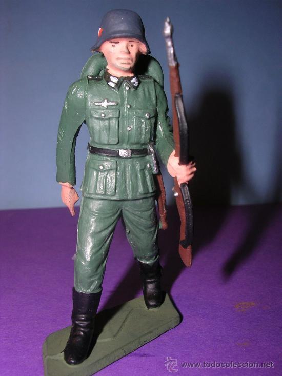 Figuras de Goma y PVC: STARLUX AÑOS 60 SOLDADO ALEMAN EN SU CAJA ORIGINAL - Foto 2 - 26554836