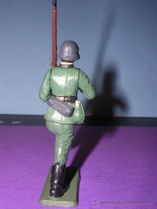Figuras de Goma y PVC: STARLUX AÑOS 60 SOLDADO ALEMAN EN SU CAJA ORIGINAL - Foto 3 - 26554838