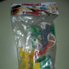 Figuras de Goma y PVC: ANTIGUO BLISTER DE COMANCHES Y COWBOYS CON CARRETA. Lote 23990513