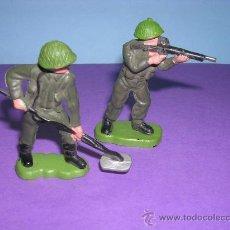 Figuras de Goma y PVC: BRITAINS HONK KONG.2 PIEZAS. Lote 27291196