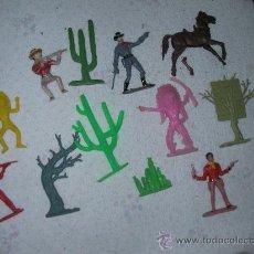 Figuras de Goma y PVC: ANTIGUO LOTE DE FIGURAS DEL OESTE, INDIOS. VAQUEROS Y OTROS. Lote 25507783